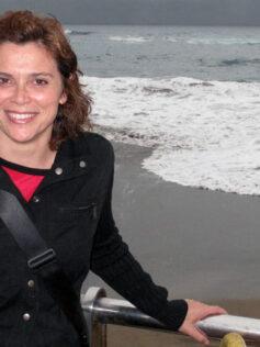 """Entrevista a Nélida Ruiz, portavoz del colectivo de ciudadanos/as para el paseo responsanble con los perros: """" Las Palmas de Gran Canaria es la única capital de todo el país donde todavía está prohibido el paseo con perros por sus calles"""""""