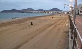 Encuesta: Mejora la valoración ciudadana del efecto de la Fiesta de San Juan en la playa de Las Canteras.