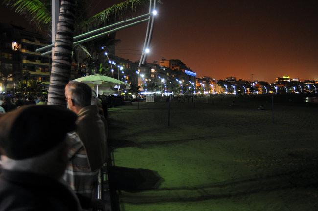 Encuesta: Solo un 49,40 % piensa que ha sido positivo el cambio de luminarias en el paseo de Las Canteras