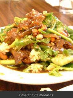 Ensalada de aguavivas (Sunomono de kurage)