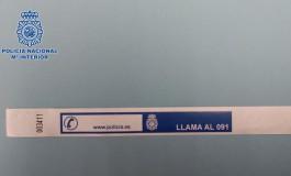 La Policía distribuirá unas pulseras para la seguridad de los niños en las playas Canarias.