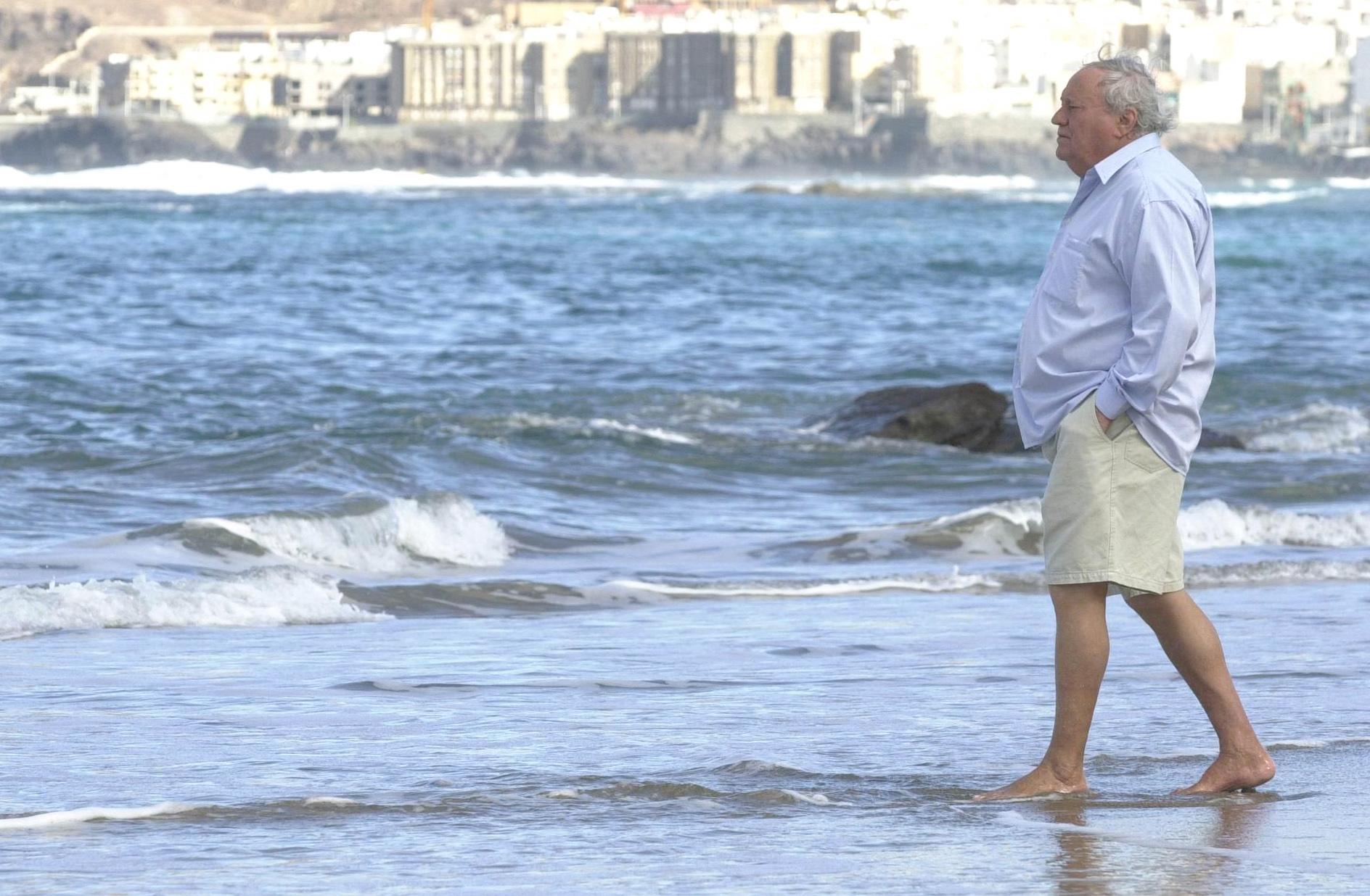 El poeta que paseaba por la playa (Recordando a Manuel Padorno)