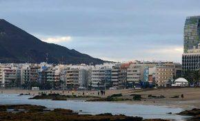 Tenemos un problema con la acumulación de arena en la playa de Las Canteras ¿Qué hacer?