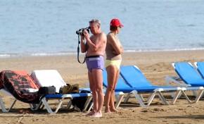 Según la ministra Reyes Maroto las medidas de distanciamiento social se mantendrán en las playas