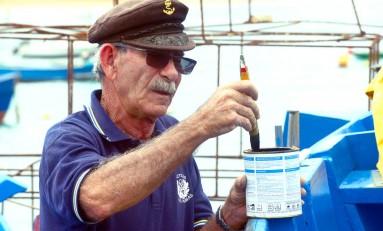 Paco Lucas, uno de los últimos pescadores de Las Canteras, cuenta sus saberes sobre la pesca