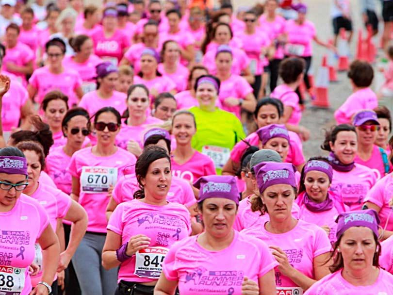 Un millar de mujeres corren el sábado por el paseo de Las Canteras