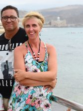 Orlando y Ruth, una historia de amor escrita en el muro de Las Canteras