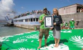 Se consigue en Las Canteras el récord Guinness de la mayor colchoneta del mundo