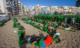 Tropical consigue batir dos nuevos récords Guinness en la playa de las Canteras