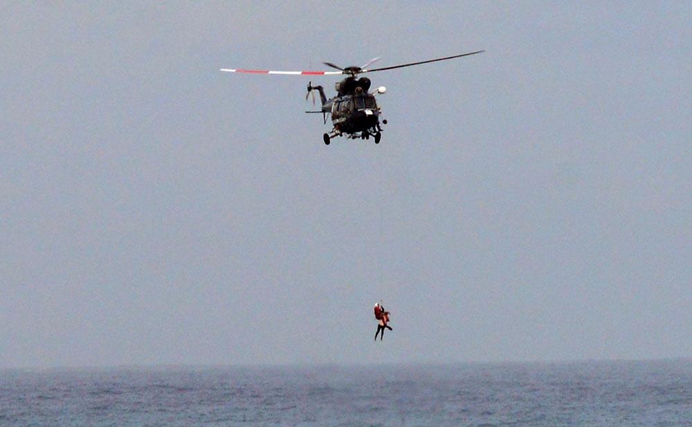 Flotar haciendo el cristo durante tres horas le salvó la vida. Una lección que debemos de aprender