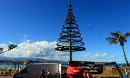 Tras eliminar la publicidad, el árbol navideño solo tendrá motivos navideños