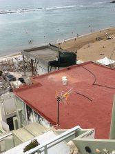 Hágase un ático ilegal en primera linea de Las Canteras