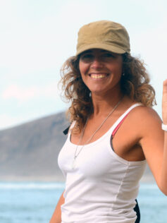 """Carolina Romero, terapeuta. """"Las Canteras es una fuente de sanación"""""""