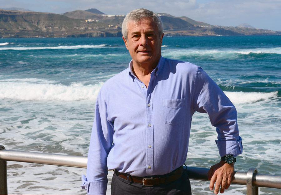Vicente Iza, el primer surfero de Las Canteras