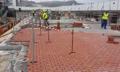 Las obras de la nueva pasarela de la Cicer obligan a desviar el paso de viandantes por el paseo de Las Canteras