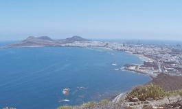 La Bahía de El Confital libre por ahora de las microalgas