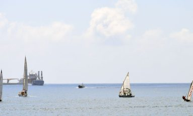 Encuentro de barquillos y botes de vela latina canaria