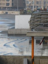 Los surferos de la Cicer no quieren arena seca de La Puntilla en la nueva parcela