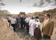 Las Lucías sueca y canaria visitan el Belén de Arena en el inicio de la Navidad para la comunidad sueca