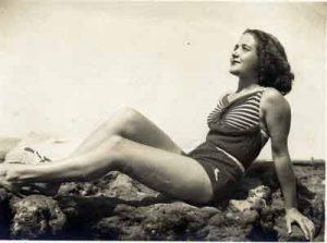 La indecencia en  las playas. La voz de la iglesia en 1948