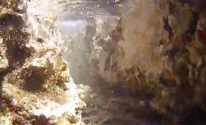 La Barra Chica se resquebraja por la fuerza de las olas