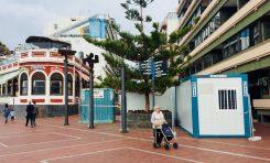 La dirección de la obra de Luis Morote coloca varios containers sobre el paseo