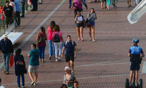 La policía turística volverá a patrullar en Segway por Las Canteras