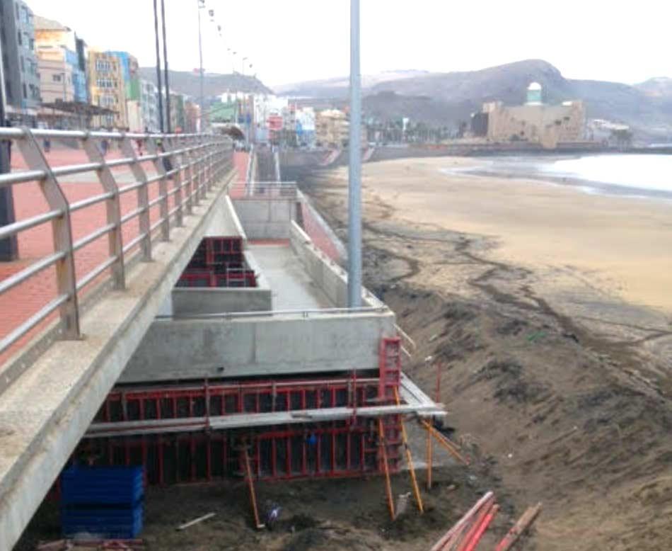 Los locales inferiores de la pasarela estarán protegidos por un muro