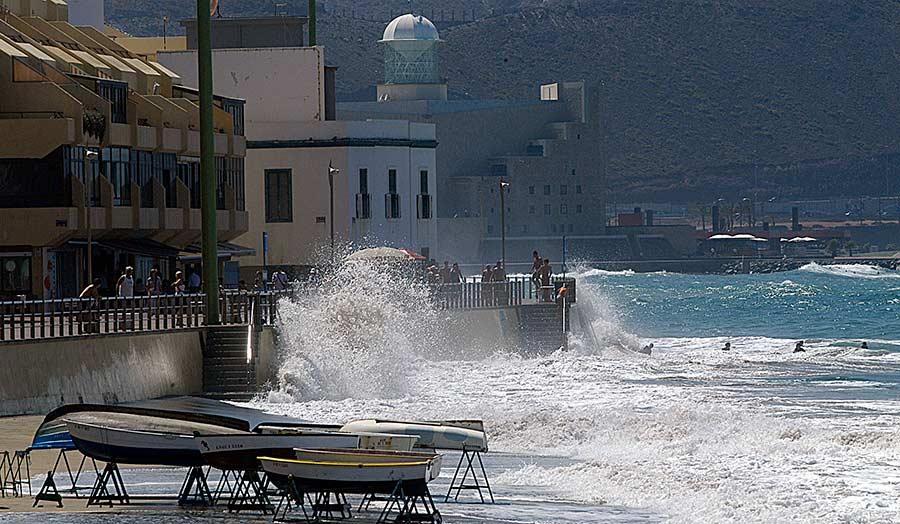 Las Canteras ha perdido 8 metros de playa a causa de la subida del nivel del mar en el último siglo