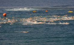 Se celebra la V edición de la travesía a nado T-Classics Las Canteras