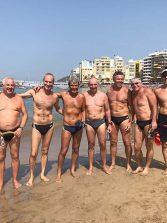 Nadadores de la travesía del primer domingo de octubre