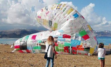 Un globo de bolsas para denunciar la producción de desechos plásticos