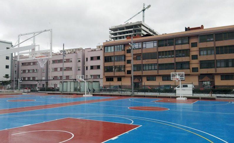 Churruca (Plaza Ortiz Wiot)reestrena canchas tras instalar un nuevo pavimento y renovar el vallado