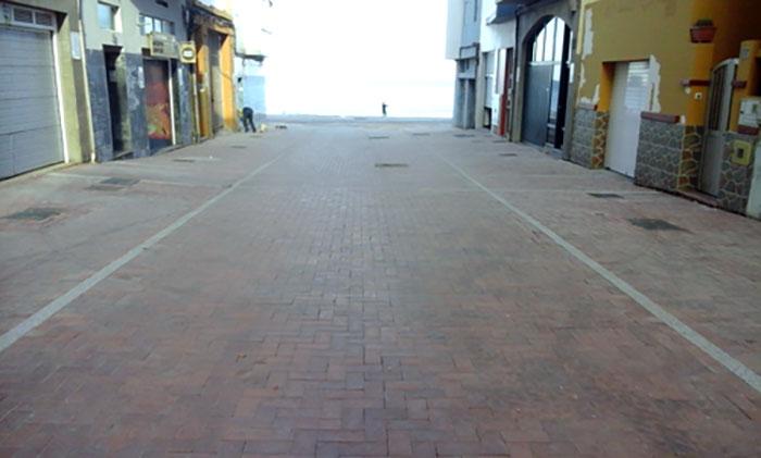 Finaliza la peatonalización de las calles California y Salvador en el entorno de la playa de la Cicer