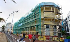 La clínica San José arregla su fachada