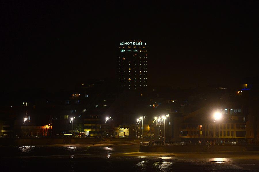 Una visión nocturna de Las Canteras