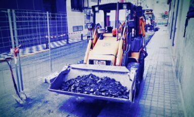 Se arreglan aceras del entorno de Las Canteras por primera vez en su historia