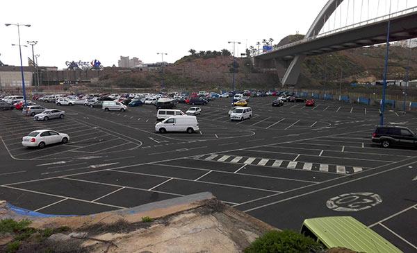 Los conciertos y macro eventos deberían celebrarse en el parking de El Rincón