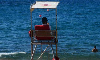 Con el fin del verano desaparece la Cruz Roja de El Confital y otras zonas de Las Canteras