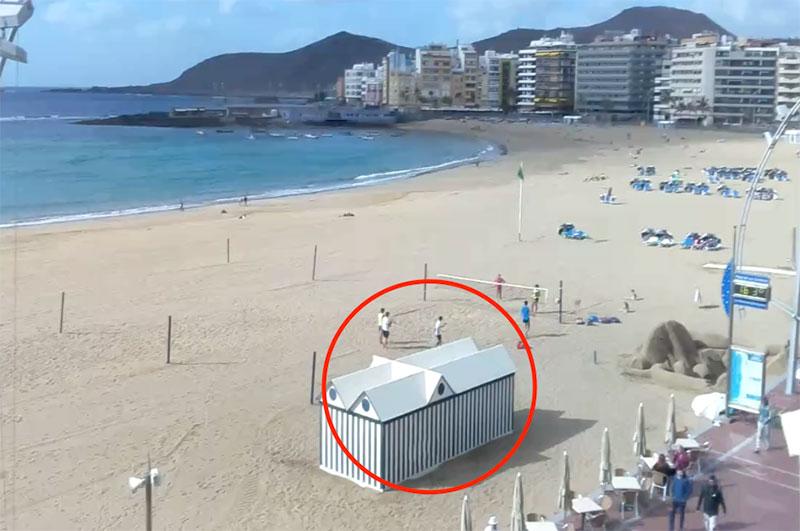 La retirada de la caseta de hamacas del sector 6 consolidad esta zona de playa como cancha deportiva