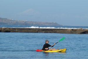 www.miplayadelascanteras.com te invita a realizar visitas guiadas en kayak por Las Canteras