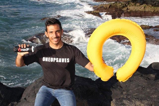Se colocaran en Las Canteras tótems con salvavidas OneUP