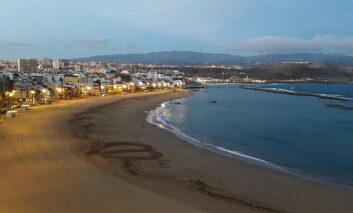 """Viajes National Geographic incluye a Las Canteras entre las playas urbanas """"imprescindibles"""" en España"""