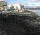 Se construye un muro para evitar desgracias en el roque de La Cruz