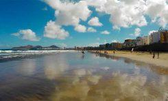 Las Canteras, una playa y su gente