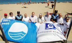Las Canteras renueva su bandera azul