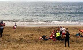 Un hombre muere ahogado en Las Canteras