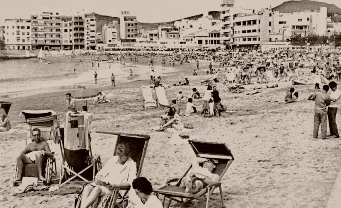 La playa de Las Canteras en 1966
