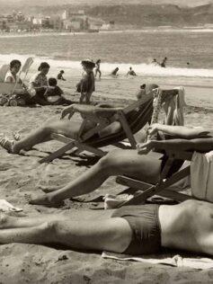 Tomando el sol en los años 60