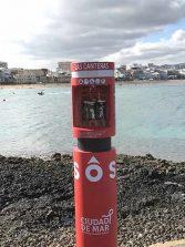 Ya están operativos en La Puntilla y en la Playa Chica los tótems con salvavidas OneUP